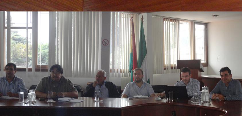El día jueves 11 de junio, funcionarios del Gobierno, especialmente del Ministerio de Medio Ambiente y Aguas, en las oficinas de la CFB trabajan con miembros de la Comisión Técnica en el Plan Sectorial de Bosques
