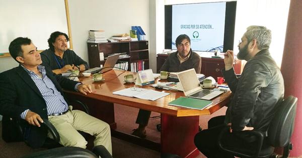 El Lic. Pedro Colanzi, presidente de la CFB, informó sobre la crisis que atravieza el sector forestal y la necesidad de implementar de políticas sobre plantaciones forestales para mejorar la situacion a mediano y largo plazo. Foto: Cámara Forestal de Bolivia