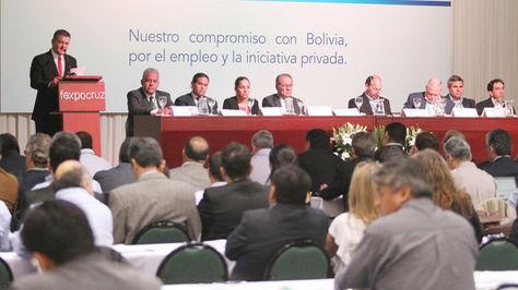 Empresarios exigen al Gobierno revisar el doble aguinaldo y abrogar la Ley de Empresas