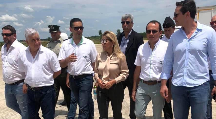 Comité de abastecimiento y productores agropecuarios de Santa Cruz donan alimento para el occidente del país