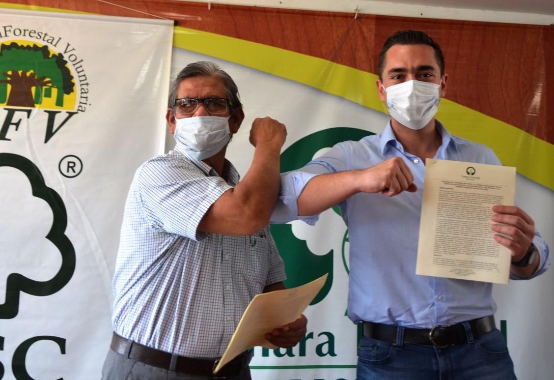 Firma de convenio entre la CFB y el CFV para la certificación forestal voluntaria